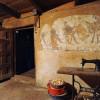 Sotto l'intonaco della cucina un murale Maya