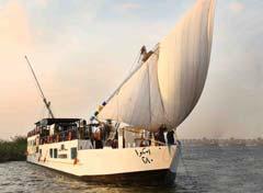 LUXOR, ASWAN, Om Kolthoum, dahabeya: nave tradizionale DLX