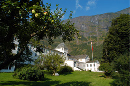 FRETHEIM HOTEL,