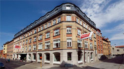 CLARION COLLECTION HOTEL TEMPERANCE,