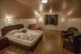 SMYRLABJORG COUNTRY HOTEL , hotel, sistemazione alberghiera