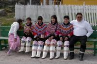 GROENLANDIA, Famiglia colorata
