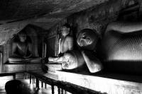 SRI LANKA, DAMBULLA, TEMPLES IN CAVES OF THE HILL