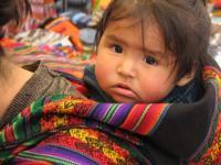 PERU, donna con bambino (M.Fenili)