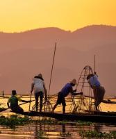 THAILANDIA, BIRMANIA, LAGO INLE PESCATORI